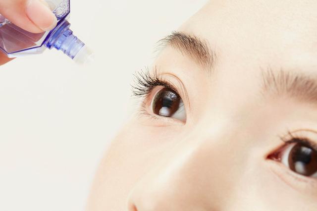 スマホ老眼予防:目薬