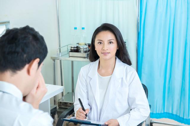 緑内障治療の点眼薬が合わない場合は医師に相談
