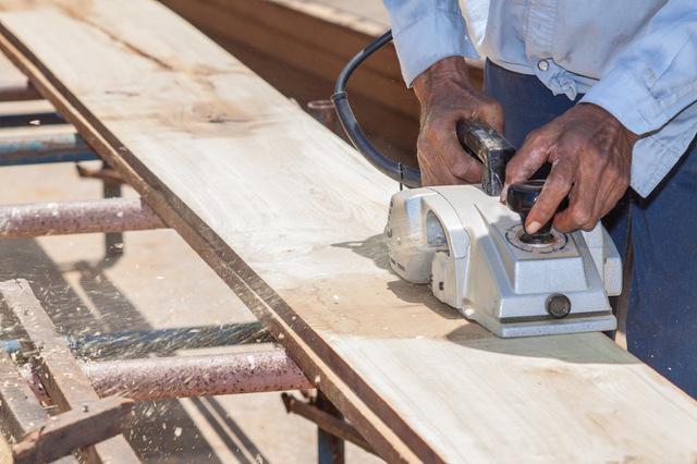 ホームセンターの木材カットサービスを使う