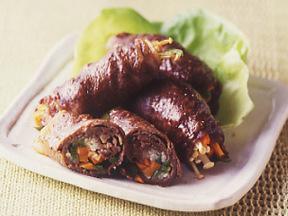 牛肉の野菜巻きわさびソース