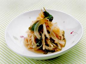 タマネギとえのき茸のサラダ