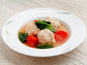 トマトとホウレンソウと肉団子のスープ