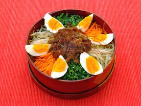 ビビンバ(韓国風混ぜご飯)