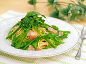 ベーコンとグリーン野菜のパスタ