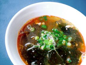 サケとわかめの韓国風スープ
