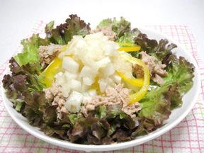 梨のドレッシングサラダ