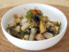 クーブイリチー(昆布と豚肉の煮物)