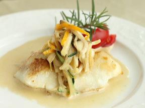 白身魚のソテー 野菜のクリームソース添え