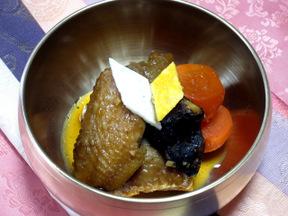鶏肉と野菜の煮物(タクチム)