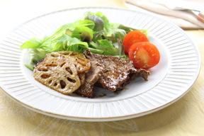 レンコンと牛ヒレ肉のジンジャーステーキ