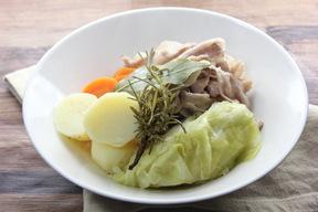 豚バラ肉と野菜のハーブ蒸し