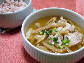 切り干しダイコンと豚肉のスープ