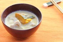 レンコンとカボチャの豆乳味噌汁