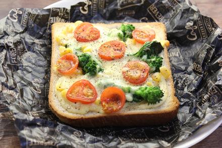 菜の花とトウモロコシのピザトースト