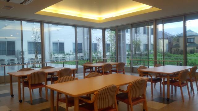食堂兼機能訓練室�A