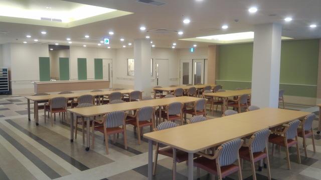食堂兼機能訓練室�B