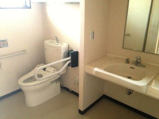 居室車椅子対応トイレ