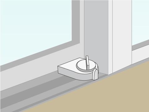 窓のレールに固定するタイプ