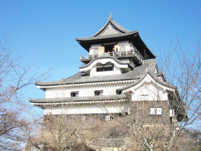 望楼型の天守は日本最古の様式「犬山城」