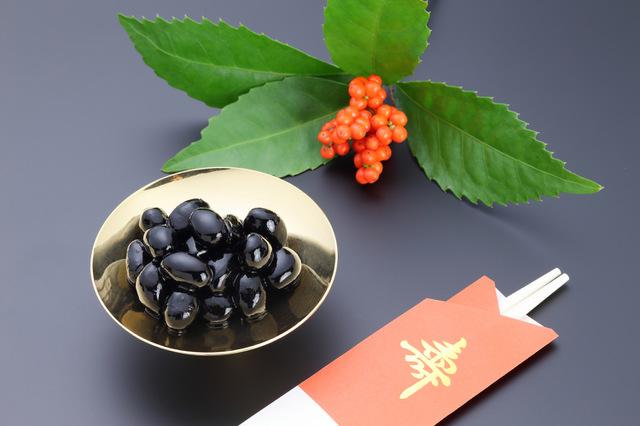 おせち料理に使われる黒豆、数の子、田作りの意味