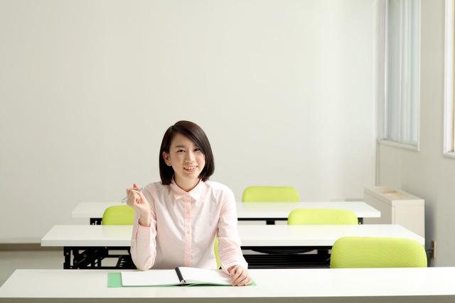 勉強会に参加する女性
