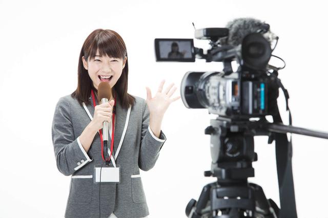 【テレビ局のお仕事情報】アナウンサーの概要や年収