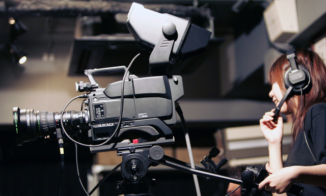 テレビ局で働くテレビカメラマンの仕事と年収について
