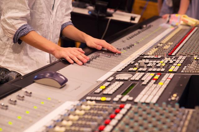 【テレビ局のお仕事情報】音響スタッフの概念と年収