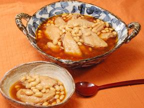 手羽先と大豆の韓国風煮込み