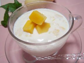 マンゴー入りミルクプリン