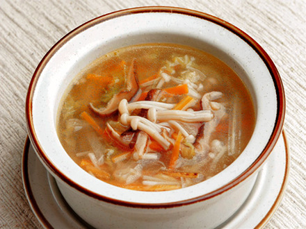 たっぷり野菜の中華風スープ
