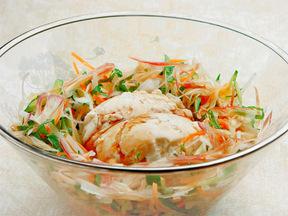 寄せ豆腐と千切り野菜のサラダ