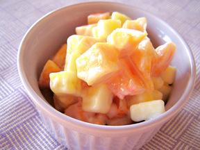 柿のヨーグルト和え