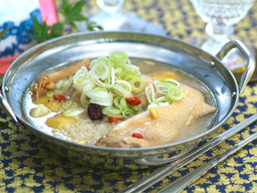 サムゲタン(鶏の煮込みスープ)