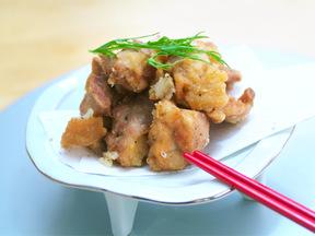 マヌルチキン(ニンニク味の鶏唐揚げ)