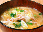 豚肉と白菜の味噌汁