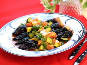 揚げナスの彩野菜ソース