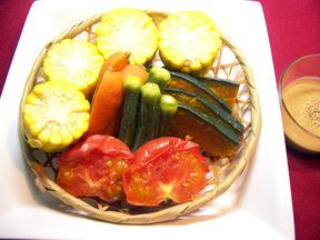 圧力鍋で簡単!蒸し野菜のゴマクリーム添え