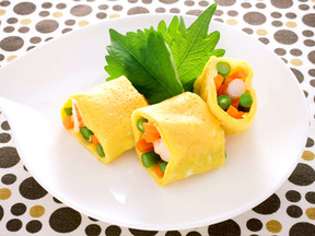 野菜とエビのだし巻き卵