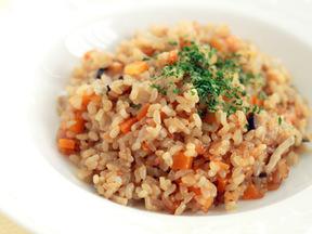 玄米の洋風炊き込みご飯