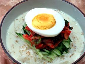 豆乳麺(コングクス)