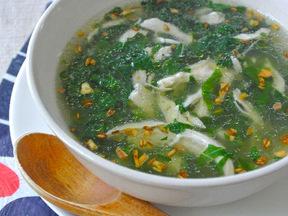 モロヘイヤとチキンのスープ