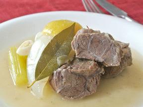 牛すね肉のレモン煮