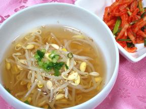 豆もやしのスープ(コンナムルクク)