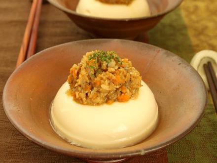 豆腐の根菜味噌がけ