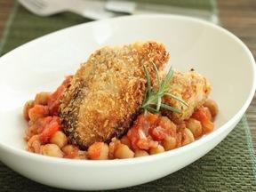 トマト煮ひよこ豆添え 魚のナッツフライ