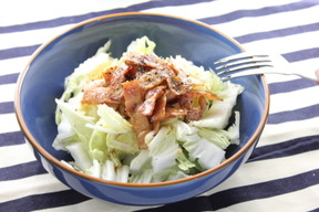 白菜とベーコンのサラダ