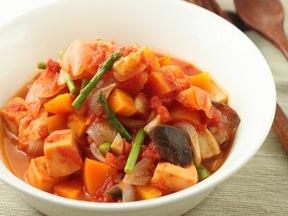 高野豆腐と野菜のトマト煮こみ