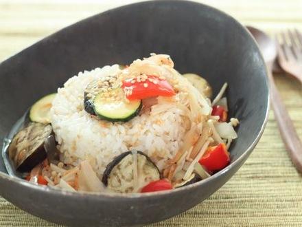 ゴマ混ぜご飯の野菜あんかけ丼