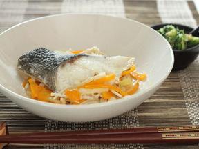 炒め菜のせ白身魚のソテー